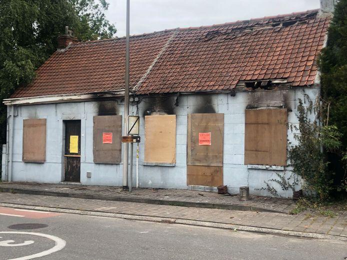 De woningen zijn uitgebrand.