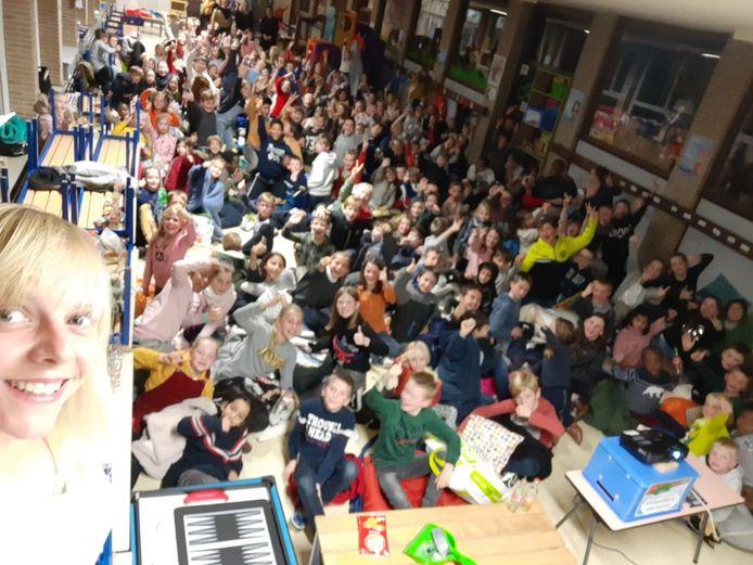 De Sint-Franciscusscholen van Burst en Erondegem steunden de Rode Neuzen met een filmavond.