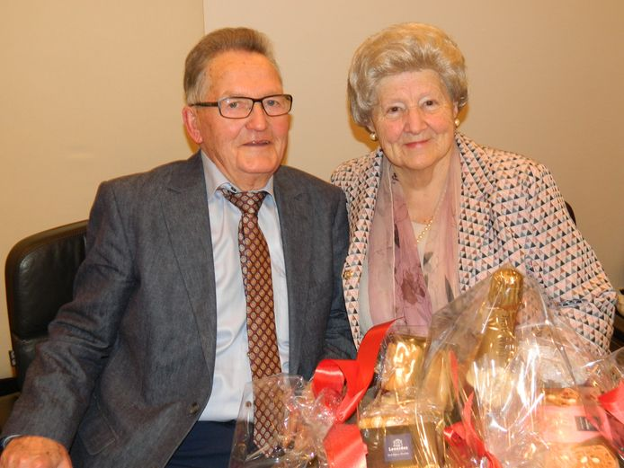 Robert Verhelst en zijn vrouw Rosa, enkele jaren geleden op hun diamanten huwelijksverjaardag.