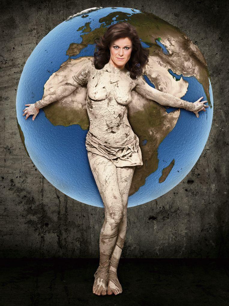 In 2013 - toen al - een straf en artistiek statement om aandacht te vragen voor het klimaat. Jill liet zich naakt bodypainten voor de cover van ons weekendmagazine NINA.