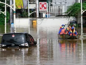 Duizenden mensen geëvacueerd wegens tropische storm op Filipijnen, overstromingen in Jakarta