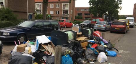 Steeds meer mensen dumpen afval naast container, en dus komt de gemeente Amersfoort met een nieuw plan