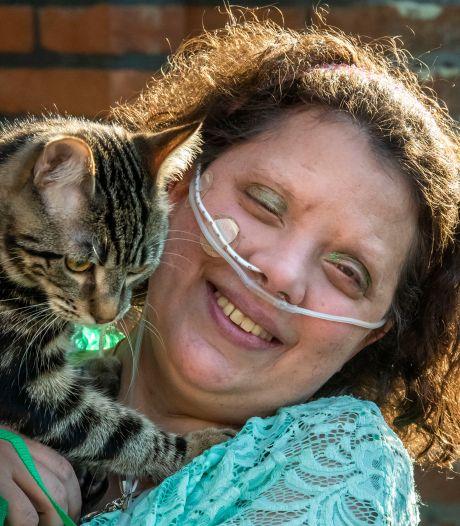 Rachel (33) uit Ermelo is boegbeeld landelijke campagne: 'Met mijn bovenkamer is niets mis'