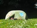 Mijke (39) kampeert soms voor weinig, maar ook wildkamperen is een optie.