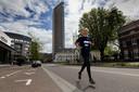 Scheidend directeur van Marathon Eindhoven, Edgar de Veer, op de Vestdijk waar het hardloopevenement de finish heeft. Hij oefent om in oktober 'gewoon'  de 42,195 kilometer te lopen.