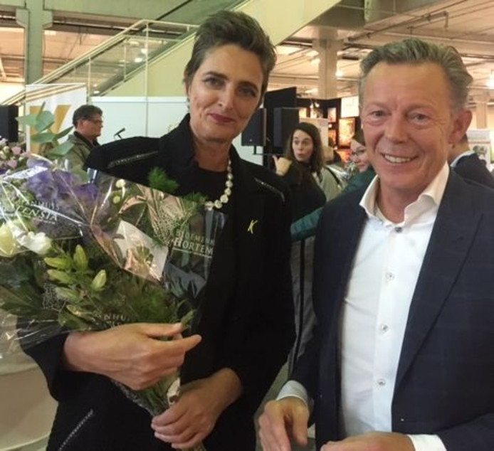 Wethouder Van Noort nomineerde de museum-directeur, en kon de onderscheiding zaterdag ook persoonlijk opspelden.