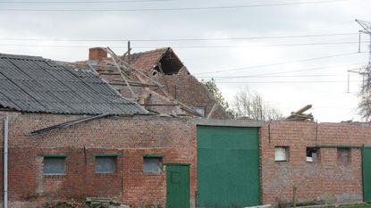 96-jarige vrouw verliest dak boerderij in storm