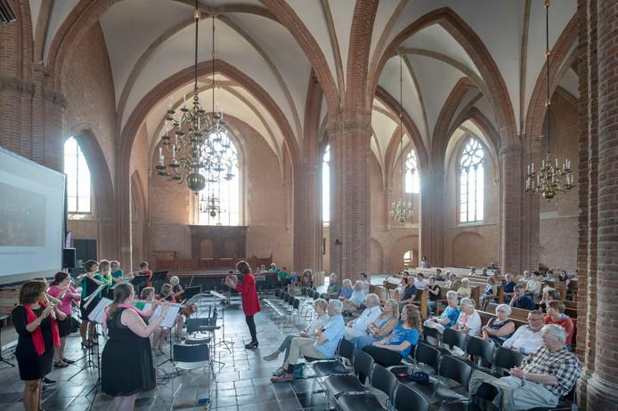 Ondanks het slechte weer zijn er zaterdagavond wel optredens in de Cunerakerk ter gelegenheid van de grotendeels afgelaste Cuneradag in Rhenen.