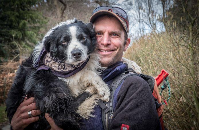 Herder Thom Manders en werkhond Iwan.