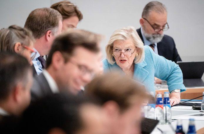 Demissionair staatssecretaris Ankie Broekers (Asiel) tijdens een debat over Afghanistan in de Tweede Kamer.