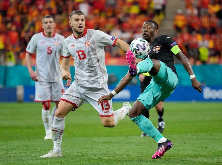 David Alaba controleert de bal. Beeld AP