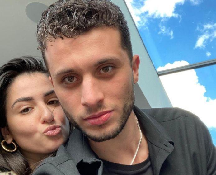 De vriendin van Karim is plots overleden.