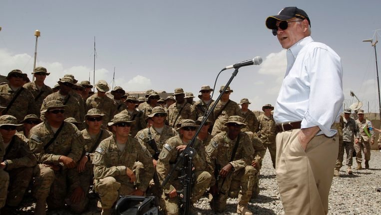 Robert Gates spreekt de Amerikaanse troepen toe in Afghanistan (archiefbeeld 2011). Beeld REUTERS