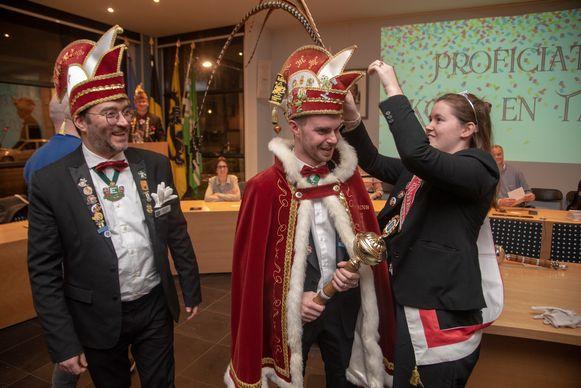 Prins Kolo en adjudant Taf worden aangesteld door regerend Prinses Ann.