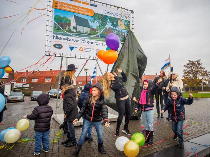 Presentatie bouwplan woonproject Lievenspolder in De Kameleon aan de Dokweg in Terneuzen.
