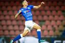 Imrane Oulad Omar in extase na zijn treffer tegen Jong AZ.