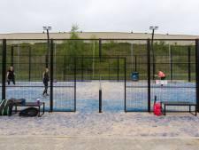 Steeds meer sporters verslaafd aan padel, een mix tussen tennis en squash: 'Hierdoor is onze club groter dan ooit'