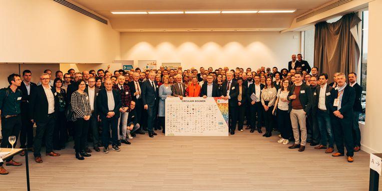 230 bedrijven, organisaties en overheden engageerden zich tijdens Batibouw om Circulair Bouwen een realiteit te maken tegen 2050