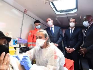 Helft van de Fransen is volledig gevaccineerd