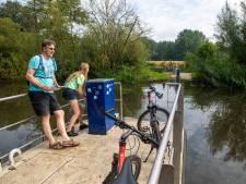Oversteek bij Rijssense Regge grote verrassing voor fietsers en wandelaars: 'Wat is dit dan?'