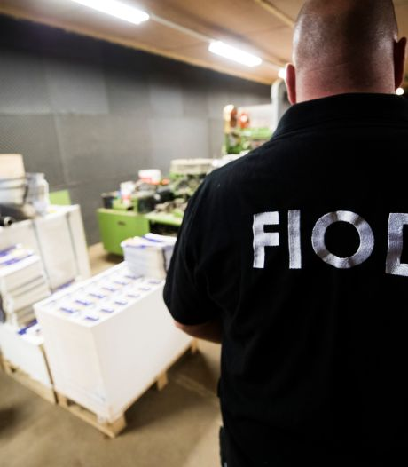 Doorzoekingen op meerdere plekken in Twente wegens btw-fraude; één aanhouding