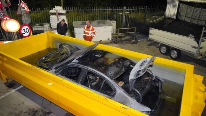 Brandweer moet hybride auto in waterbak laten zakken om vuur definitief te doven in Druten