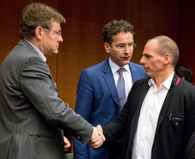 Johan Van Overtveldt, Jeroen Dijsselbloem en Yanis Varoufakis. Beeld AP