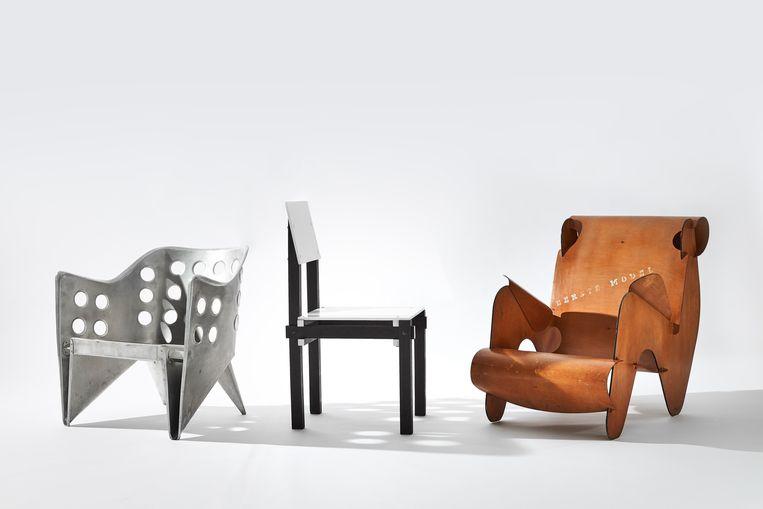 Drie stoelen van Gerrit Rietveld. Beeld Peggy Janssen