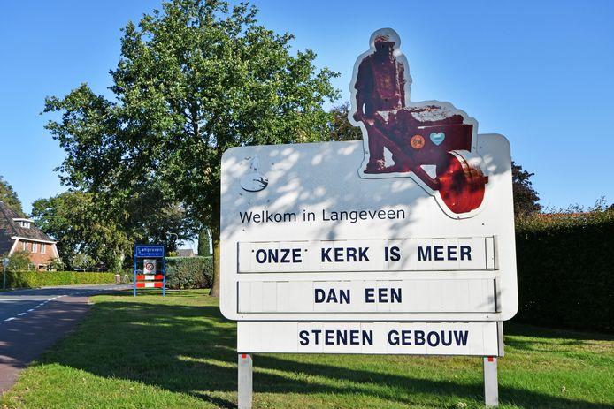 In Langeveen kraait het oproer tegen aangekondigde kerksluiting.