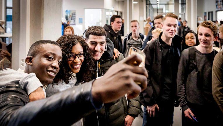 Het initiatief De Stembus probeerde deze verkiezingen jongeren over te halen te gaan stemmen. Beeld anp