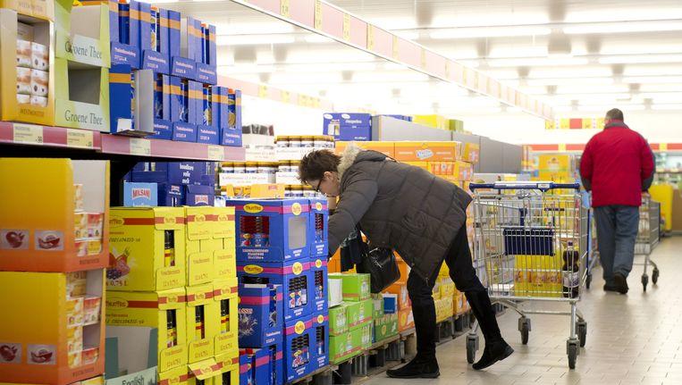 Doordat winkels als Aldi en Lidl opschuiven naar de middenklasse, komt er ruimte op de markt. Beeld ANP