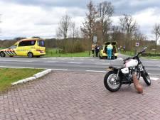 Motorrijder glijdt uit en raakt gewond op N411 bij Bunnik