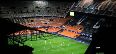 LIVE | Valencia telt 25 besmettingen, online groepstraining bij Schalke