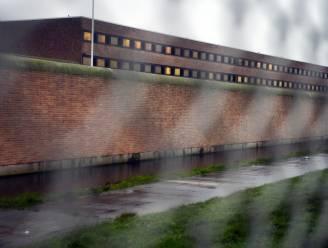 Personeel van gevangenis Brugge legt het werk neer nadat gedetineerde drie cipiers zwaar toetakelde