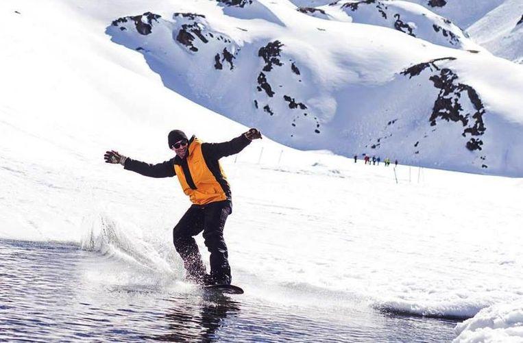Thomas Lambrechts houdt zelf van extreme sporten, zoals hier tijdens het Belgisch kampioenschap freeride.
