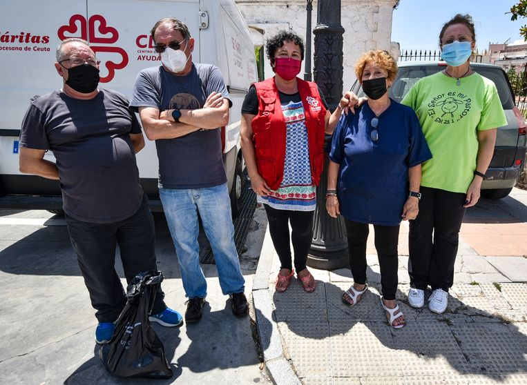Het Caritas-team van Ceuta   Beeld Antonio Sempere