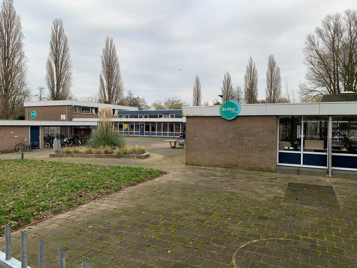 Deze voormalige school moet misschien plaatsmaken voor een woontoren van 50 meter.