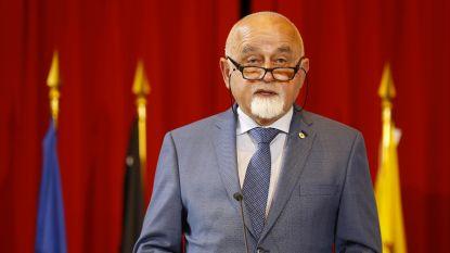 Jan Peumans (N-VA) stemt voor Groen (met volmacht van zijn zoon)