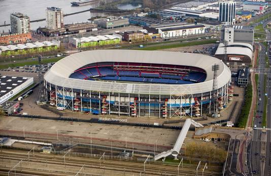 De oude vertrouwde Kuip vormt in de toekomst de basis voor een nieuwe voetbaltempel.