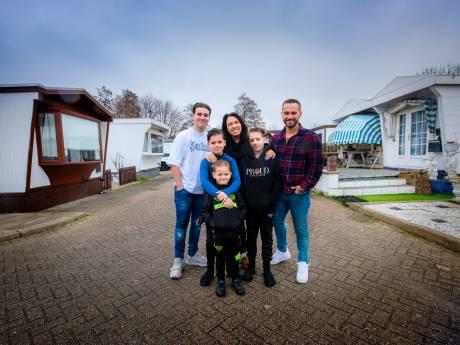 Wanrooytjes rekenen af met vooroordelen over woonwagenkamp: 'Gewoon heel leuk gezin'