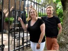 Juliette en Martin hebben GELIJK gereserveerd: op 1 juni zitten zij op het terras van Van Rossum