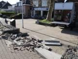 Beschonken vrachtwagenchauffeur rijdt van stenen trappetje in Den Hoorn, schade is aanzienlijk