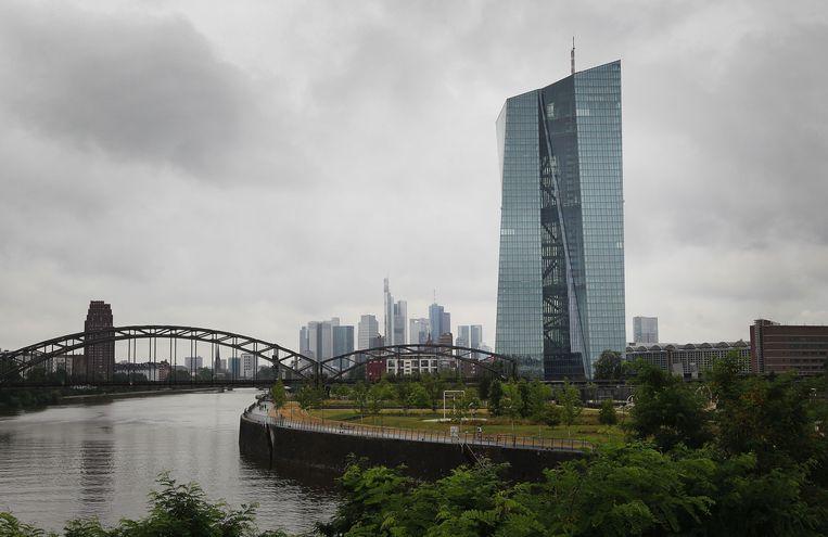 Het hoofdkwartier van de Europese Centrale Bank in Frankfurt is een mannenbastion. Beeld AFP