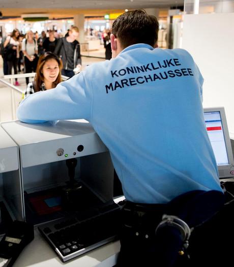 Alsnog celstraf marechaussee in cokezaak Schiphol