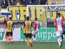 Krankzinnige eigen goal doet Roda JC de das om: FC Emmen wint