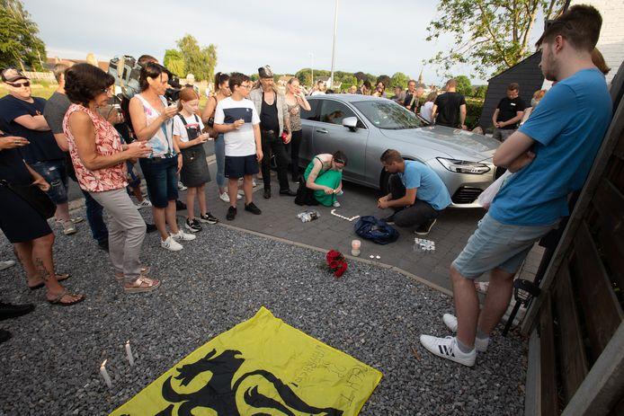 Wake voor Jurgen Conings in Dilsen tot aan het huis van zijn vriendin