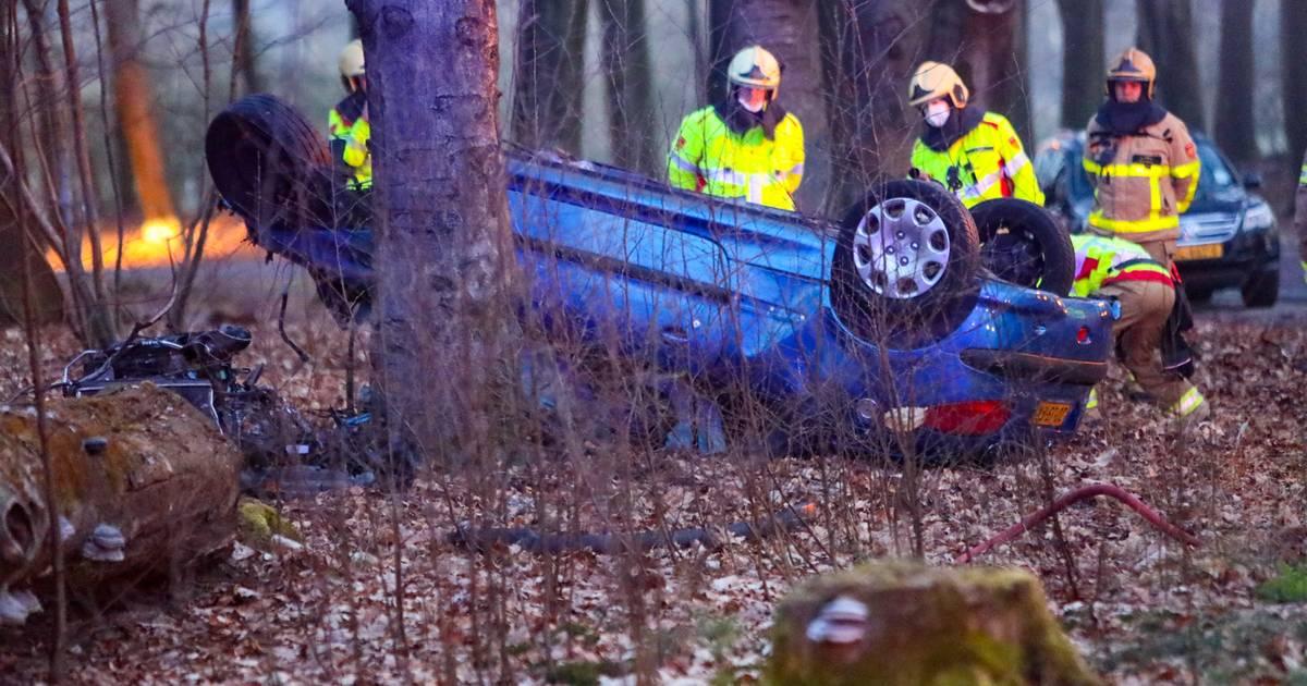 Campinggasten ruw gewekt door ernstig ongeluk bij Apeldoorn: 'Alsof de helikopter op mn caravan landde'.