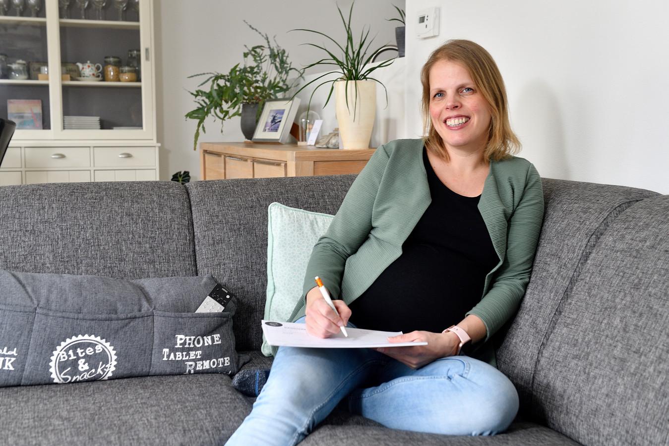 Door met haar weekplanner voldoende rustmomenten in te plannen tijdens de werkdagen, kan Evelien Ruijtenberg (37) haar het werk nu goed volhouden.