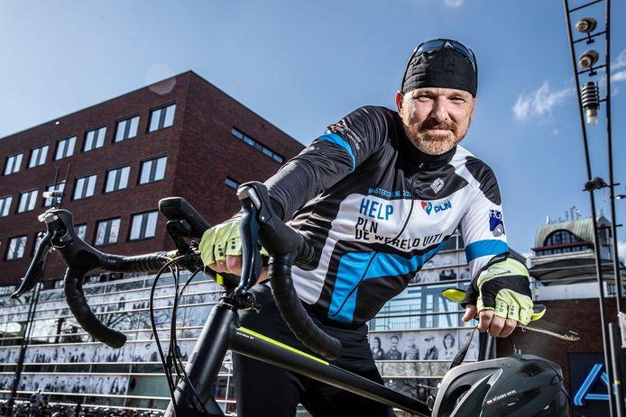 Het had maar zo gekund dat Daan Obdeijn niet meer had kunnen fietsen. Maar de wielrenner in hart en nieren krabbelt op nadat hij bijna in een rolstoel belandde: eind mei fietst hij zijn eigen elfstedentocht.