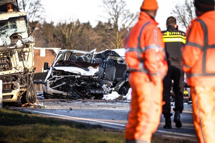In Nederland kwamen vorig jaar 678 mensen om in het verkeer. Dat zijn 65 verkeersdoden meer dan in 2017, een stijging van 11 procent.